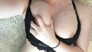 Can anyone help me identify this snapper? I see a lot of fakes running around with her vids. - Snapchat