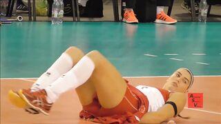 Ceren Kestirengoz - Turkish volleyball player warming up