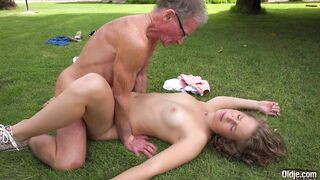 One Sexy One Not: Sex on the lawn