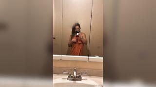 Hardbodies: towel drop